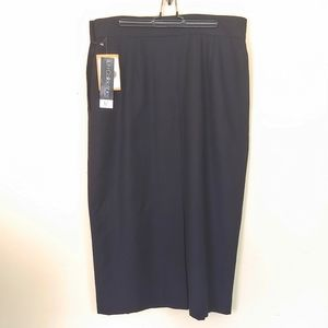 JH Collectibles Black 100% Wool Pencil Skirt